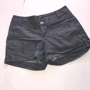 Banana republic sz 4 denim chambray cuffed shorts